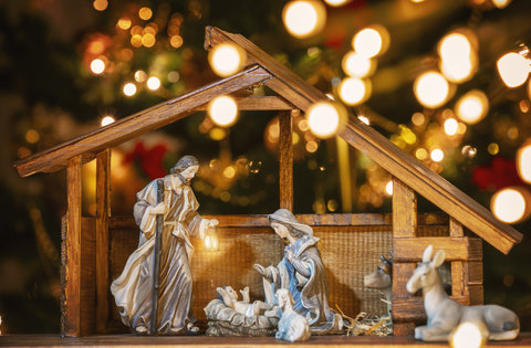 How to Treasure Christ at Christmas When Life Is Hard